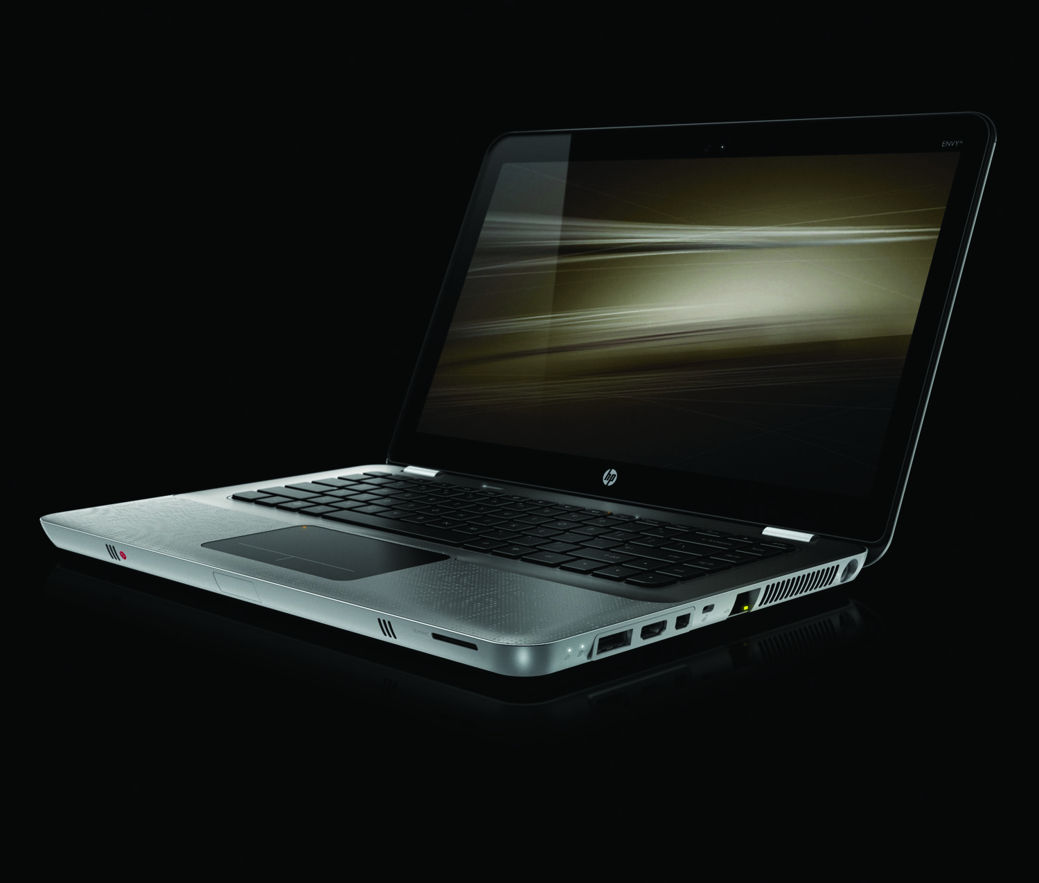 HP Envy 14, front left on black