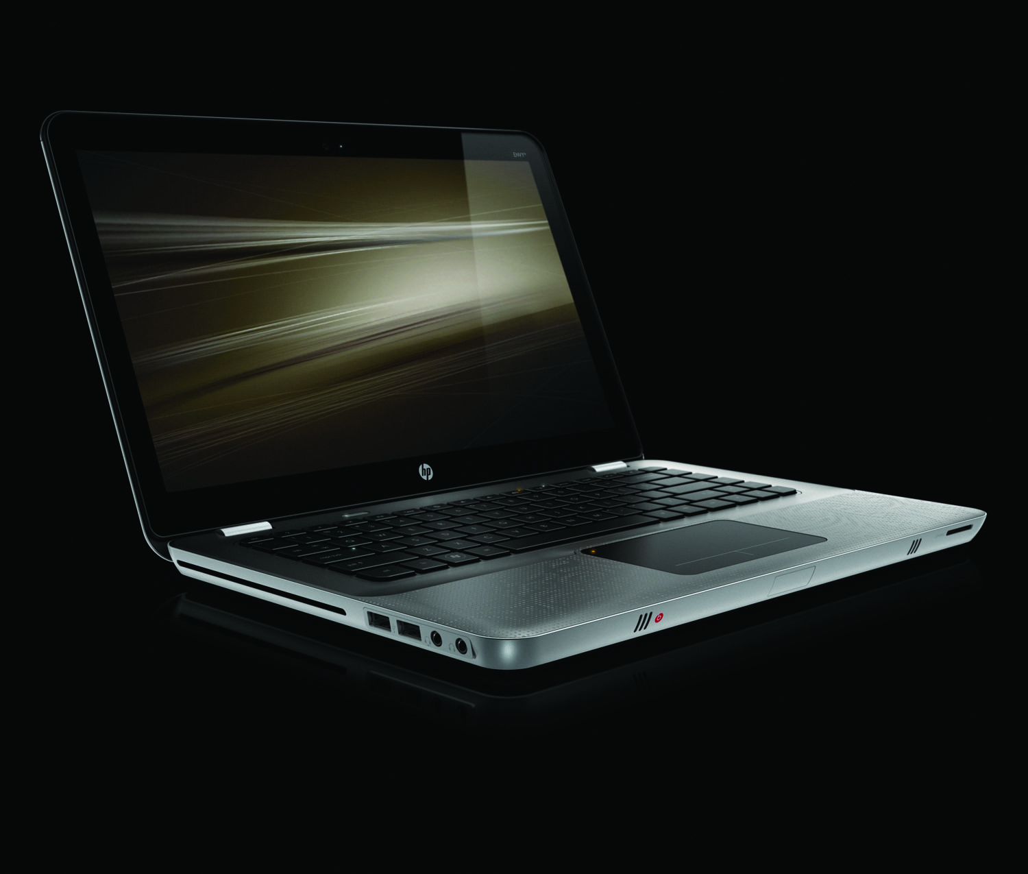 HP Envy 14, front right on black