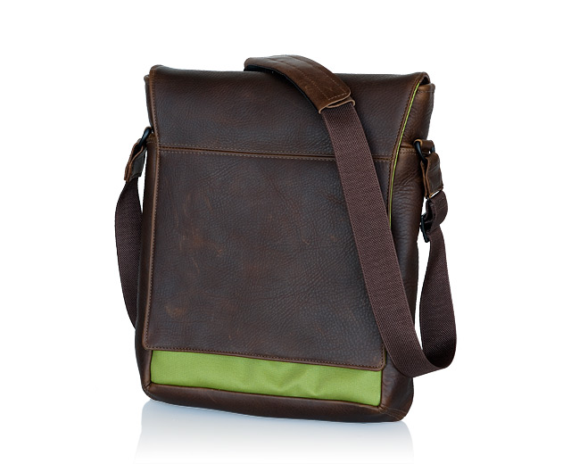 WaterField Designs Offering Black Leather Muzetto Man Bag f00e4c04d0
