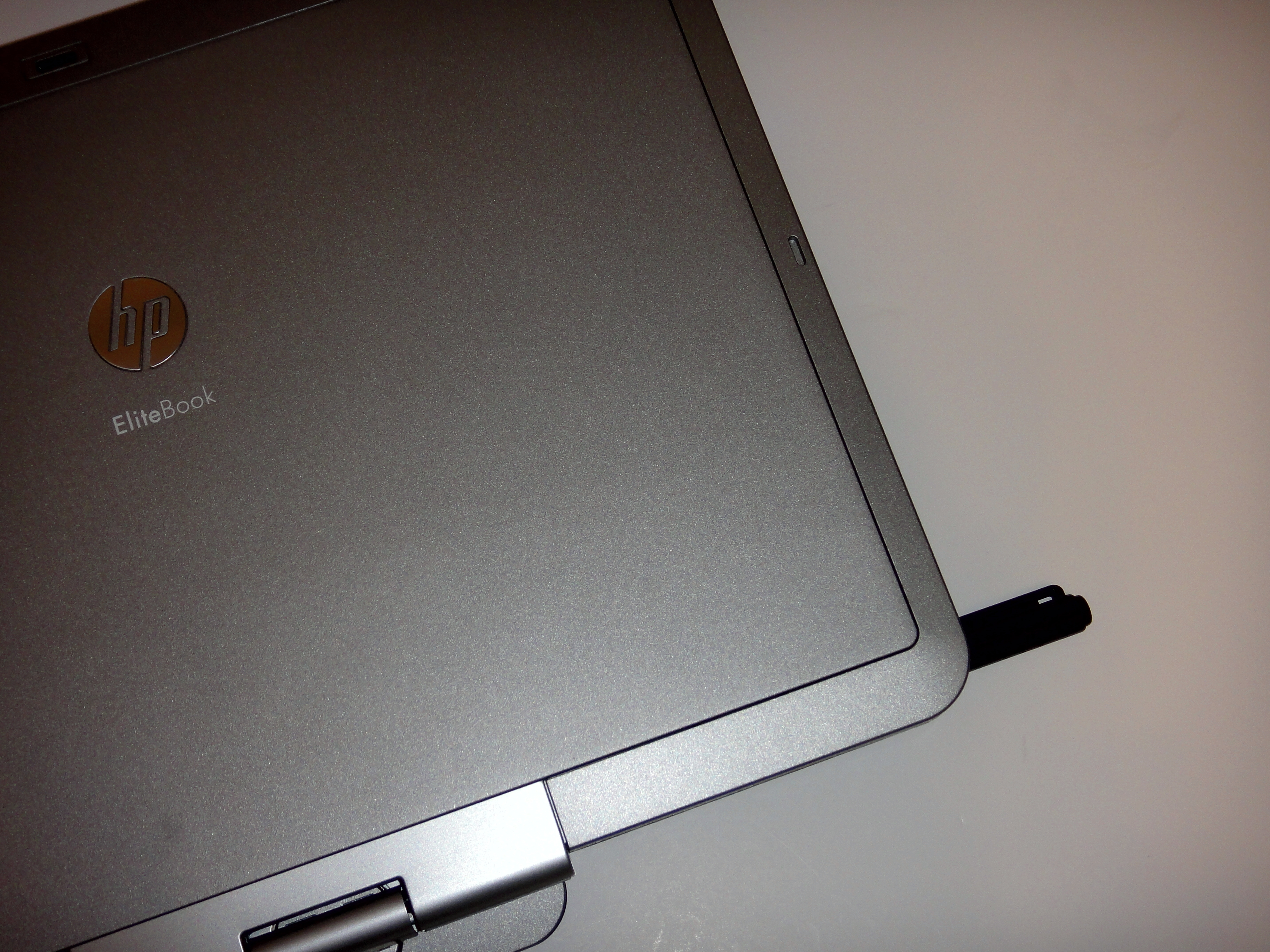 Elitebook 2740p top with Stylus