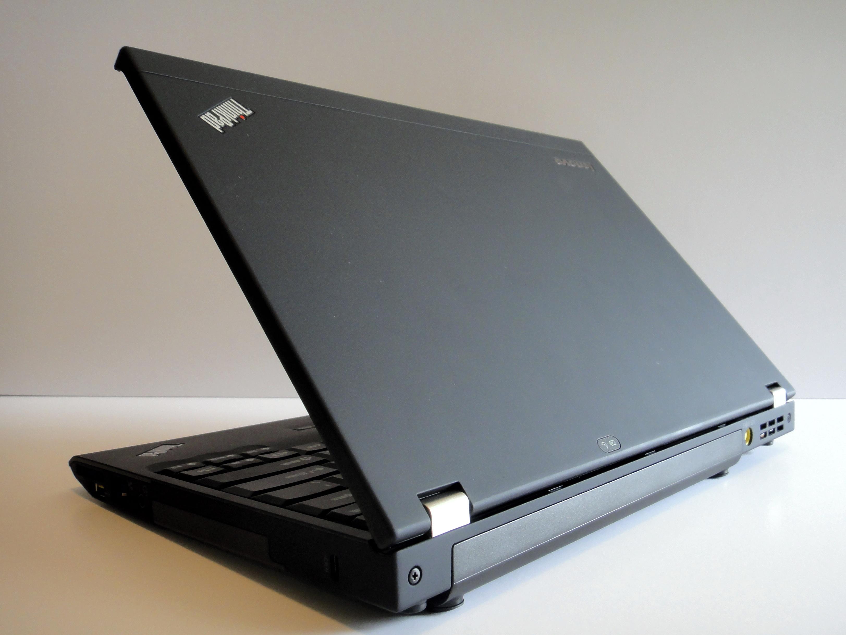 lenovo thinkpad x220 hands on details specs and video rh notebooks com Lenovo X201 Docking Station Lenovo X201 Docking Station
