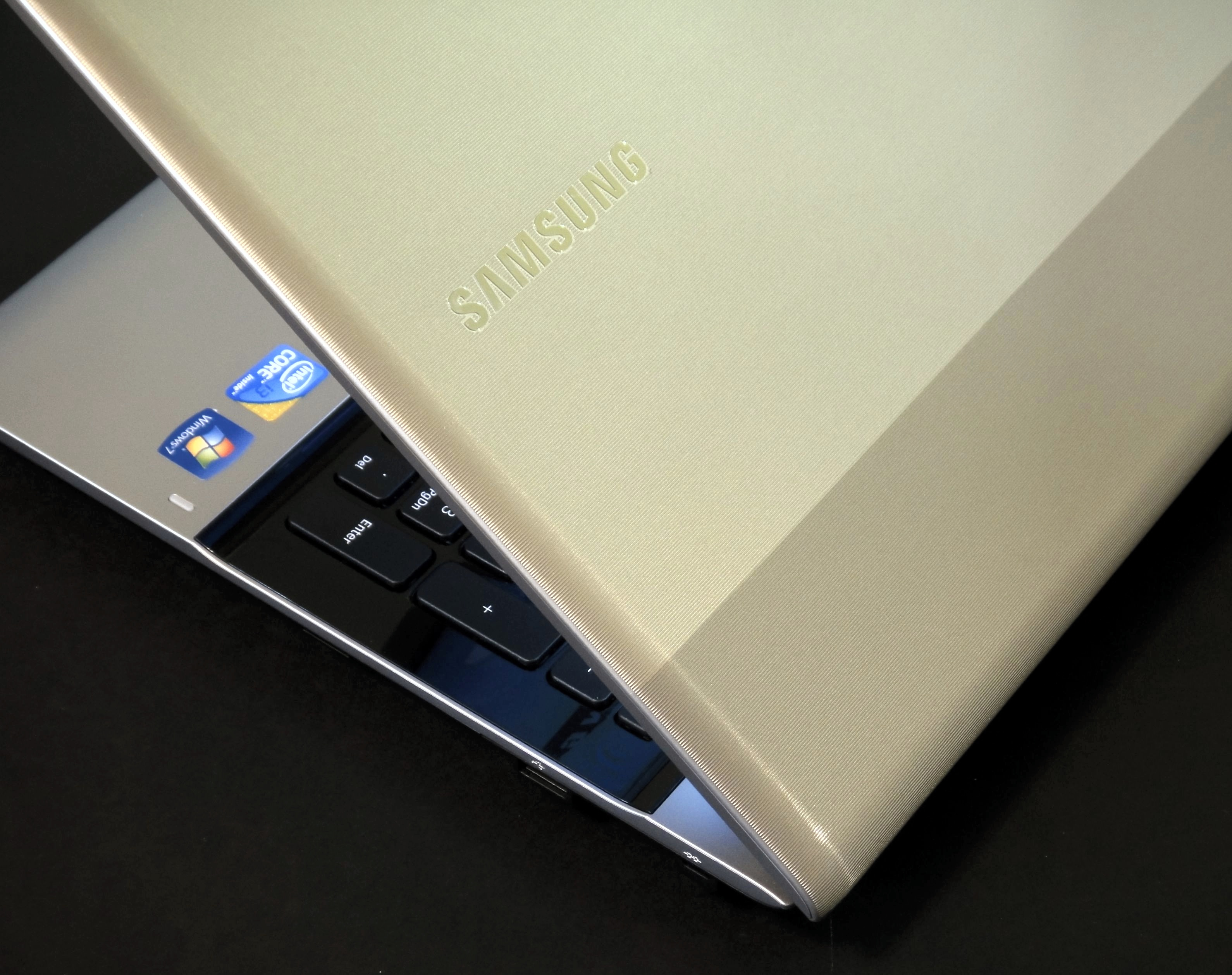 Samsung RV511 A01 Review