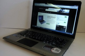 Toshiba Satellite E305 Review - Display