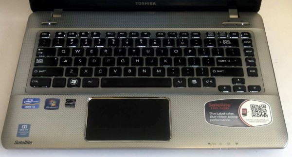 Toshiba Satellite E305 Review - Keyboard