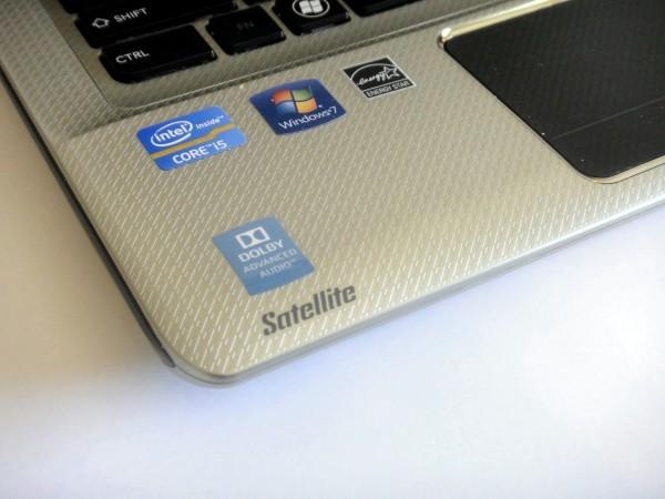 Toshiba Satellite E305 Review - Palmrest