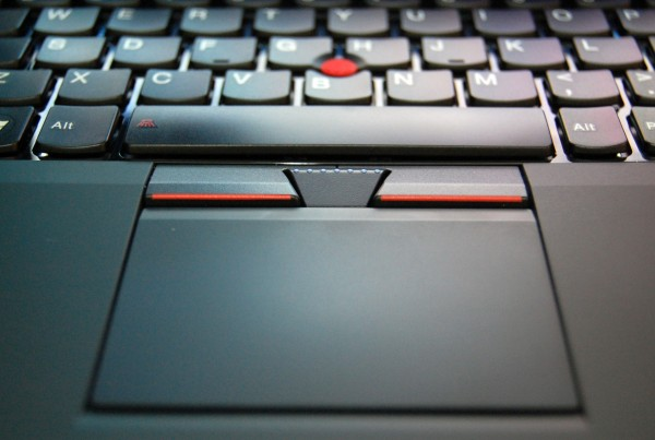 ThinkPad Edge E220s Review - ClickPad and Pounterstick