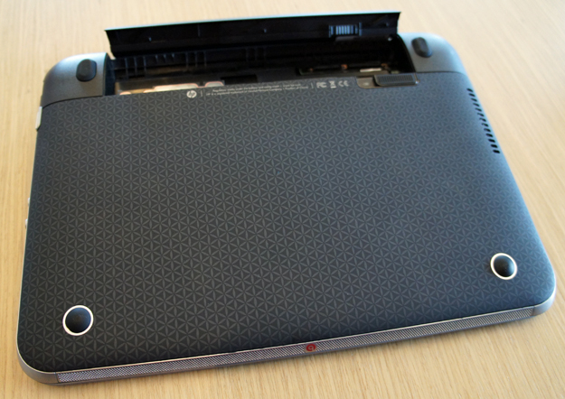HP Pavilion dm1 bottom with battery out