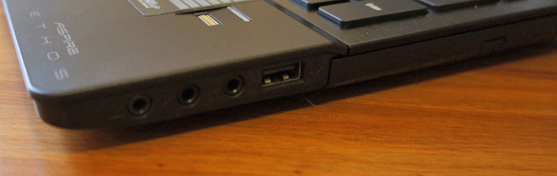 Acer Aspire Ethos - right side ports