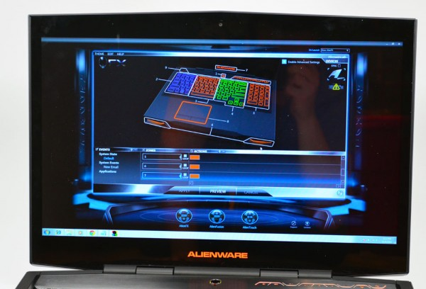 Alienware M17x display