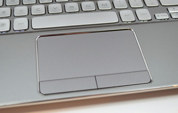 Dell XPS 14z Review Touchpad
