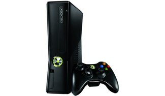 En US Xbox360 4GB Console with Remote RKB 00001 RM1