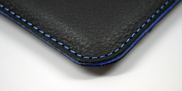 Lusso Cartella MacBook Air Sleeve Review - stitching