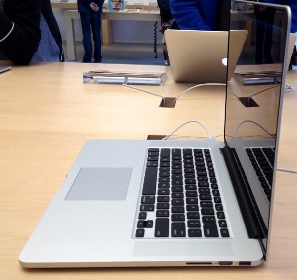 Macbook pro retina display ports 1 620x584