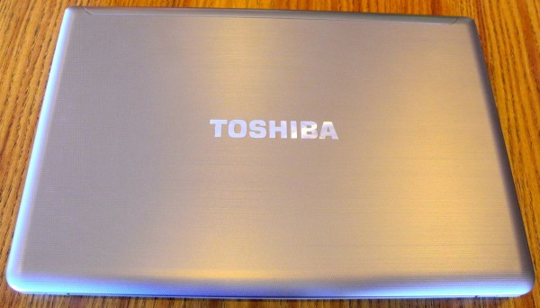 Toshiba Satellite P855-S5200 top
