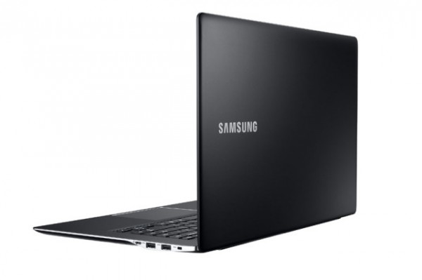 Samsung-ATIV-Book-9-side