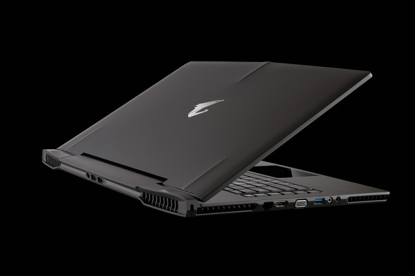 aorus sli gaming laptop x7 back corner