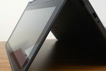 lenovo thinkpad yoga 11e chromebook in tent mode