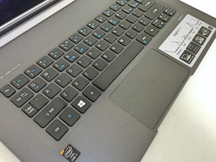 Acer Aspire R13 keybaord and trackpad