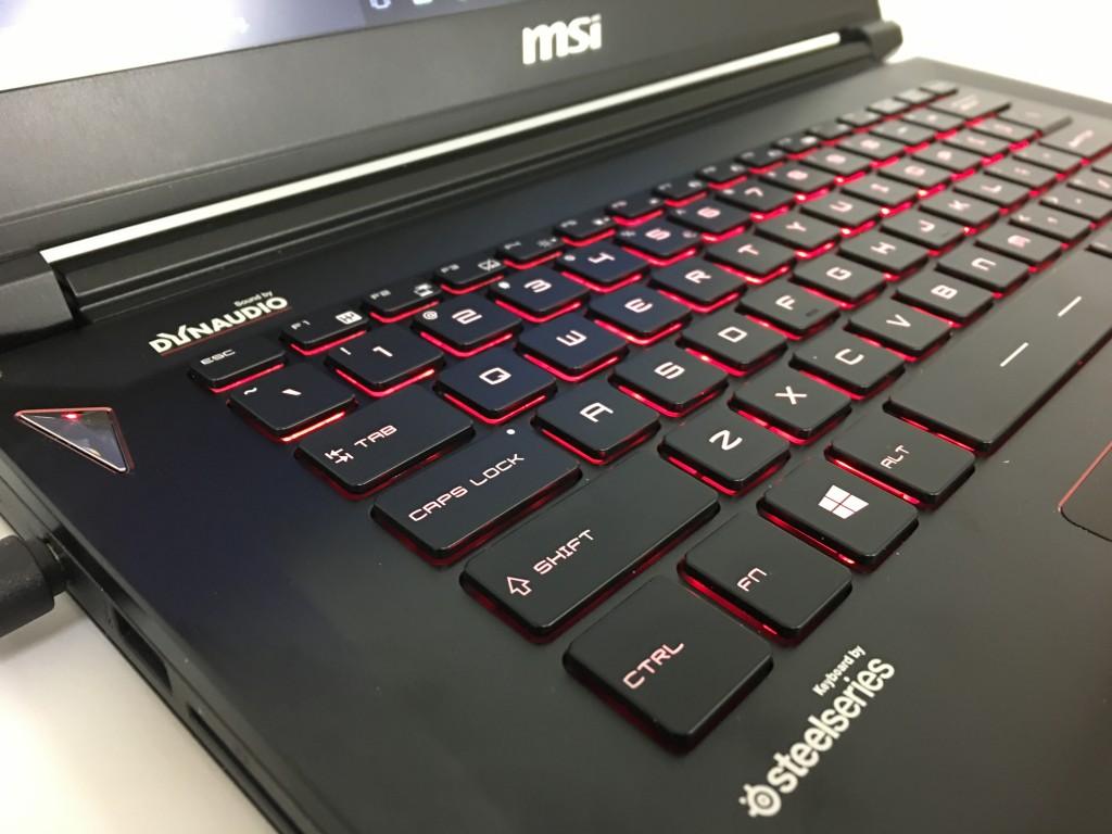 msi gs40 phantom steelseries keyboard with red backlight